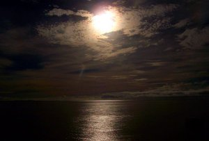fiji_full_moon